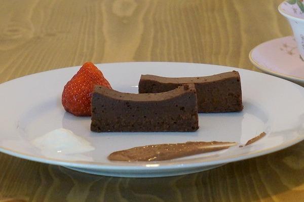 チョコレート研究所大阪新町店 ガトーショコラ テリーヌショコラ
