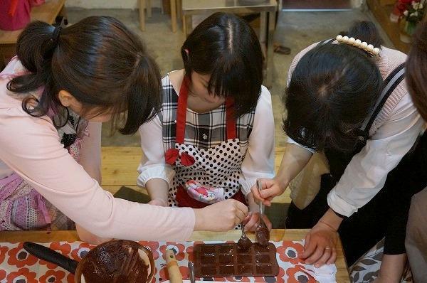 チョコレート研究所 カカオ豆から手作りチョコレートイベント